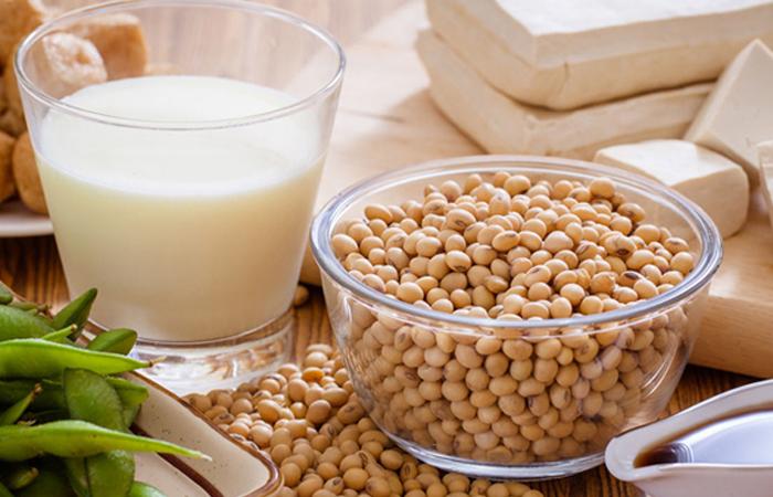 Bé bị chàm sữa mẹ kiêng ăn gì để bệnh nhanh khỏi?